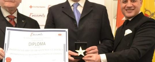 Premiado con la Estrella de Oro.